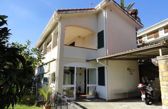 Villa – RIF. ALB. V06