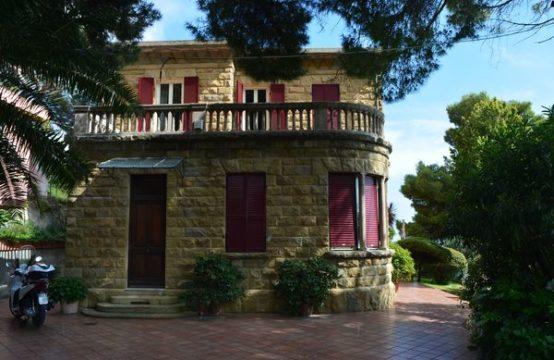 SANREMO – Villa in zona Poggio [RIF. ALB. V22]